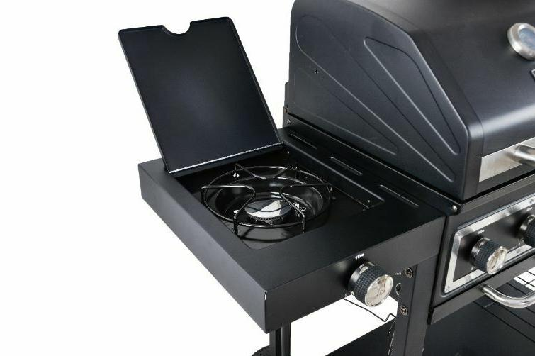 Dual Gas Combo Grill cooking that